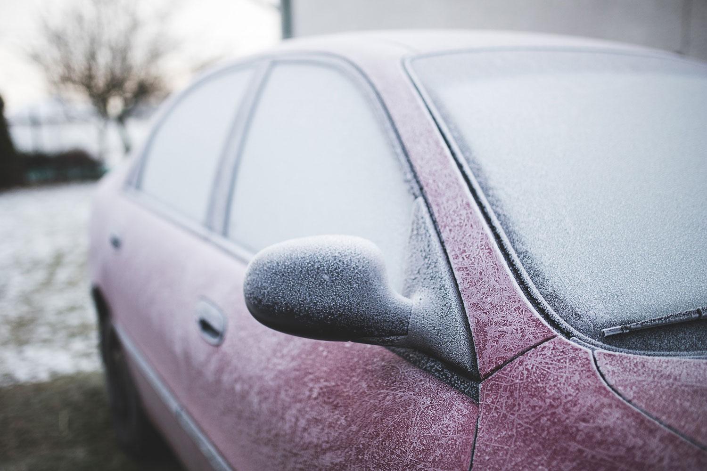 Las heladas de invierno son el peor enemigo de tu coche